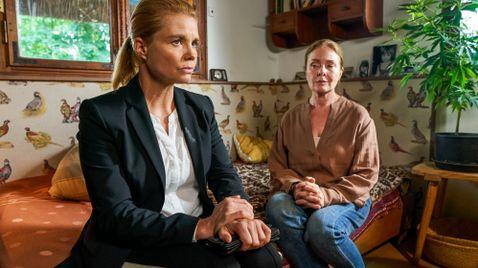 Ella Schön: Schiffbruch auf Romance TV
